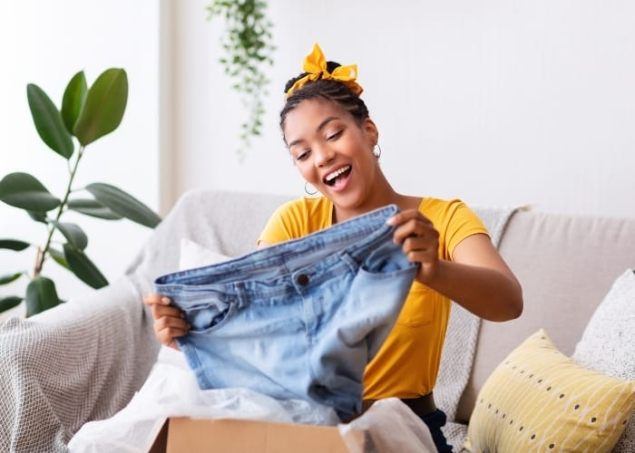how to get free clothes at stores and online