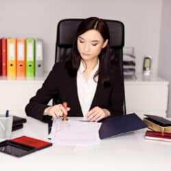 woman who knows how to make money as a notary