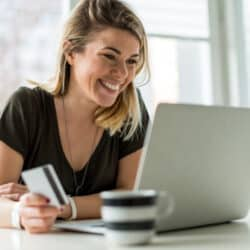 woman using websites like amazon to shop