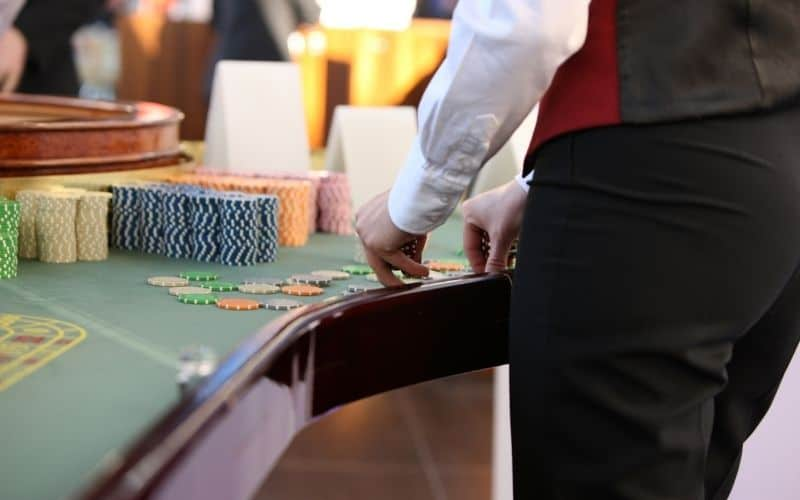 casino jobs for 18 year old