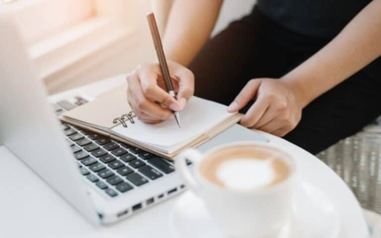 12 Ways to Make Money from Writing in 2021